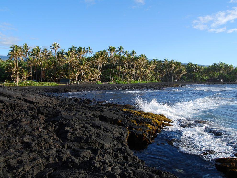BlackSand10 15 невероятных пляжей с черным песком
