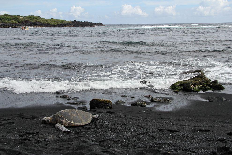 BlackSand15 15 невероятных пляжей с черным песком