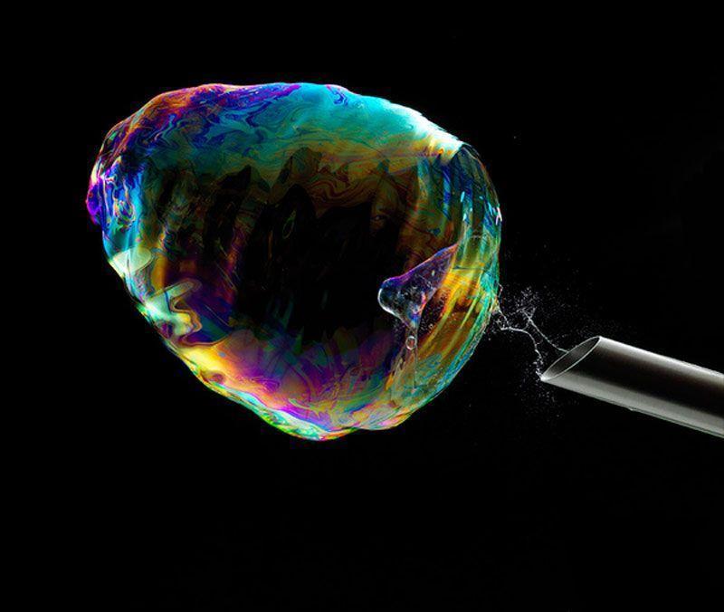 BubbleBurst01 Как лопается мыльный пузырь