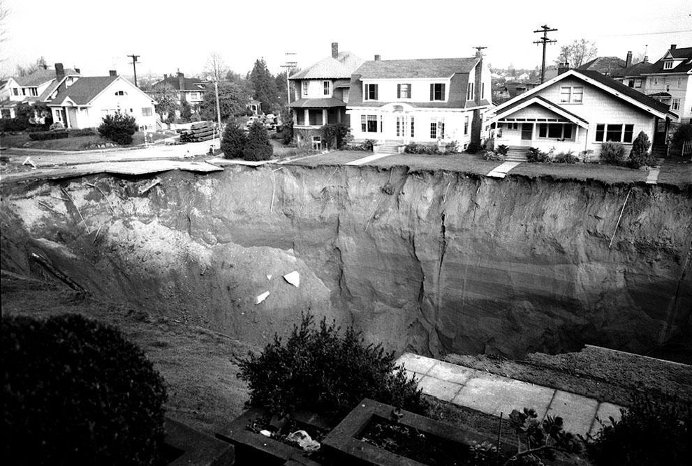 Sinkholes04 Карстовые воронки   когда земля разверзается