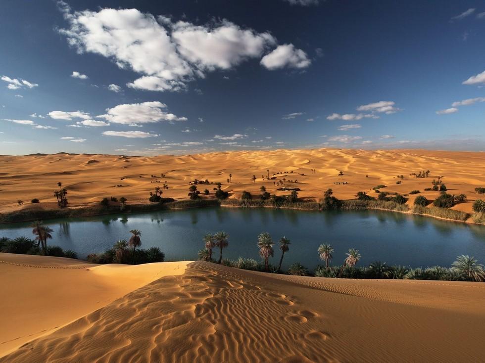 Ubari01 Сказочный оазис в африканской пустыне: озера Убари