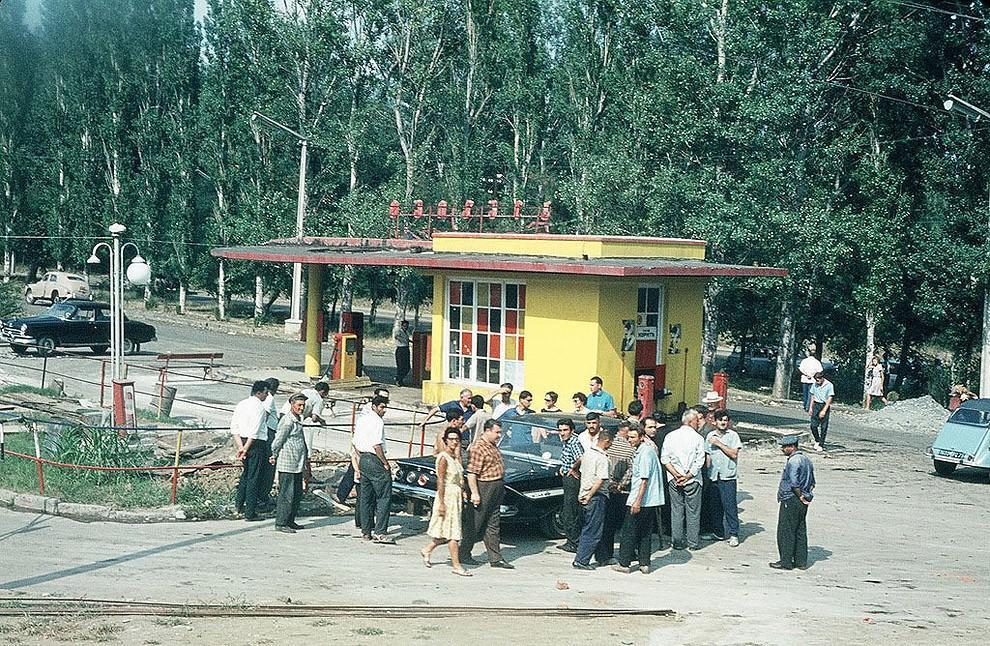 gasstation08 Бензоколонки в СССР   история в фотографиях