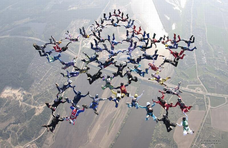 parachutes07 Самые впечатляющие фигуры парашютного спорта
