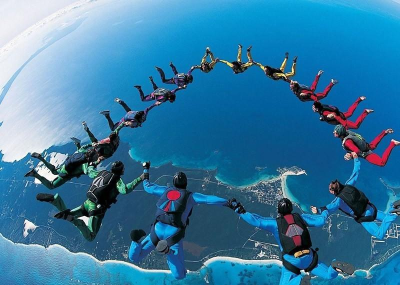 parachutes10 Самые впечатляющие фигуры парашютного спорта