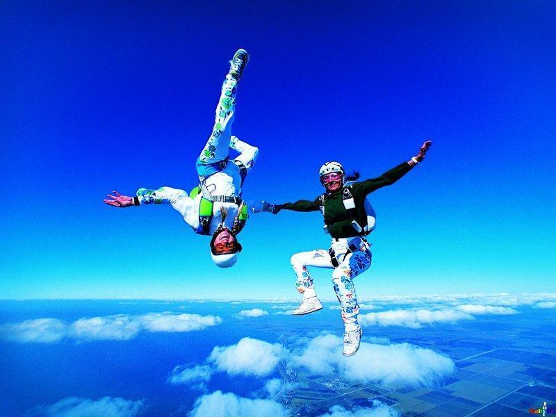parachutes15 Самые впечатляющие фигуры парашютного спорта