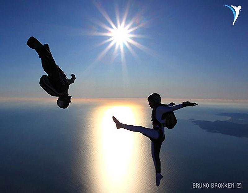 parachutes19 Самые впечатляющие фигуры парашютного спорта