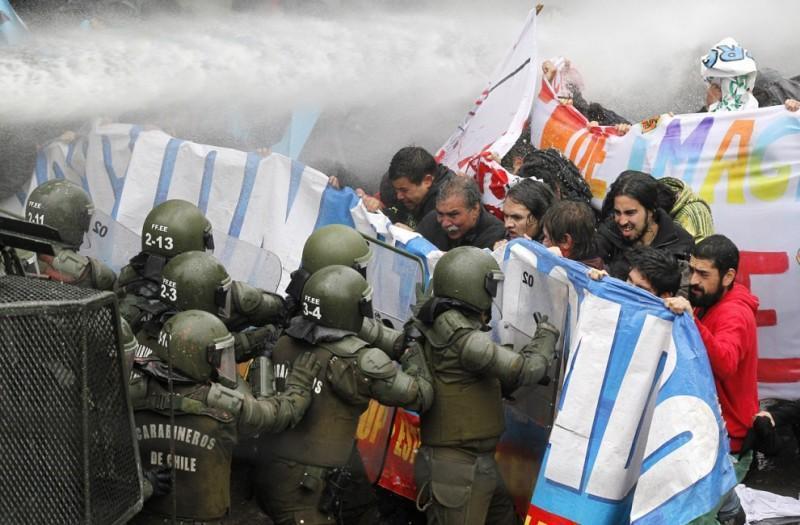 Главные протесты июня в фотографиях
