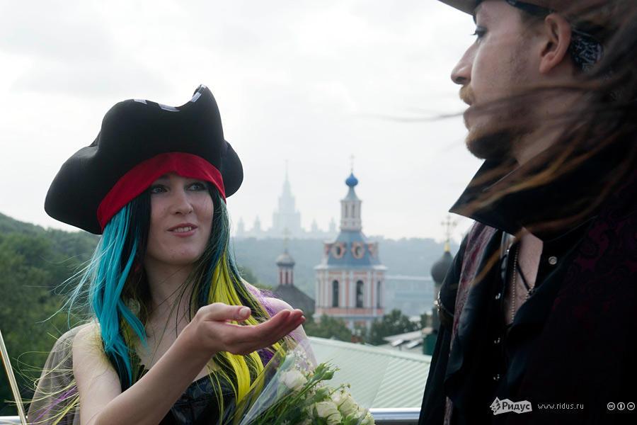 В Москве прошла свадьба последователей Макаронного монстра (8)