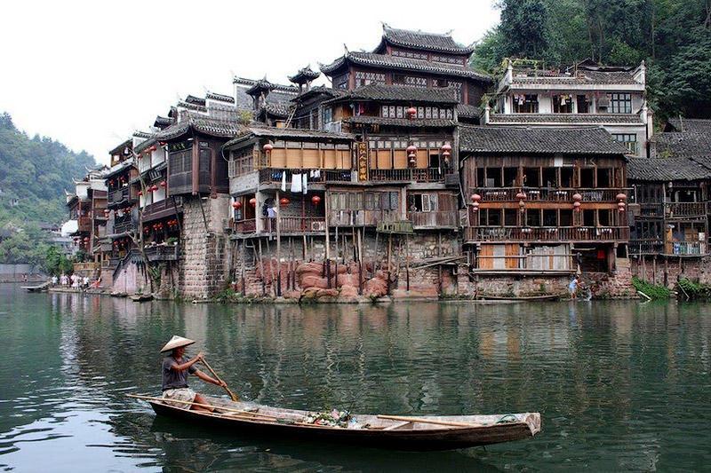 Фэнхуан – один из самых красивых городков Китая
