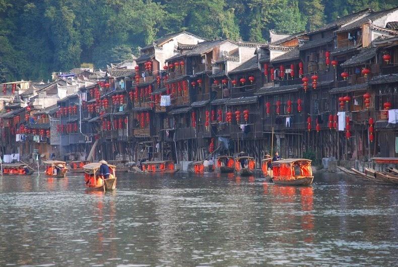 Fenghuang01 Фэнхуан – один из самых красивых городков Китая
