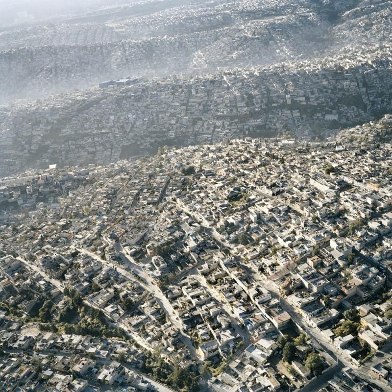 Mehico01 800x800 Перенаселенный Мехико с высоты птичьего полета