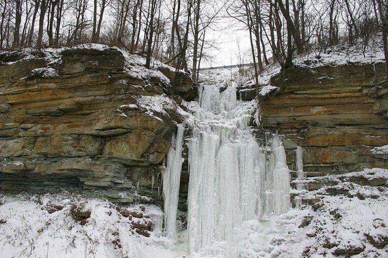 icefalls07 10 невероятных ледяных водопадов