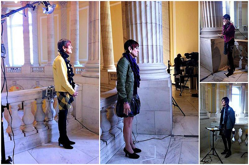 Любимый предмет одежды Розы - короткие яркие кожаные куртки. Их у женщины несколько - желтая, голубая, цвета фуксии и зеленая.