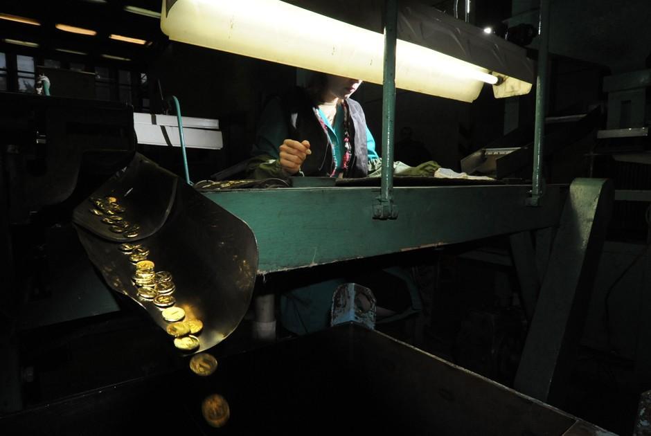 moneybelt04 Конвейер из денег: как организовано производство на Гознаке