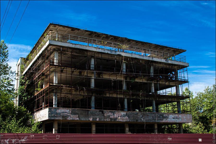 заброшенные здания в абхазии коем случае