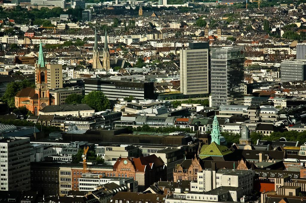 http://bigpicture.ru/wp-content/uploads/2013/09/Dusseldorf18.jpg