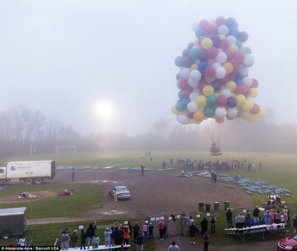 Trappe02 Американец пытался перелететь Атлантический океан на 375 воздушных шарах