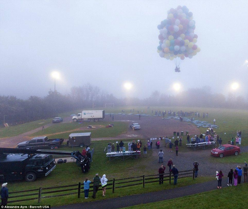 Trappe03 Американец пытался перелететь Атлантический океан на 375 воздушных шарах