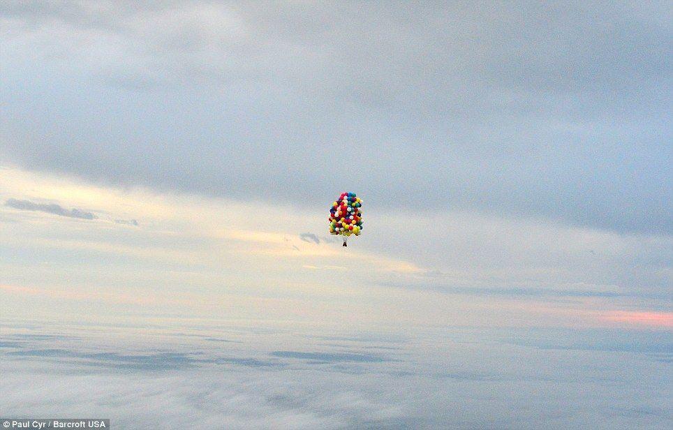 Trappe05 Американец пытался перелететь Атлантический океан на 375 воздушных шарах