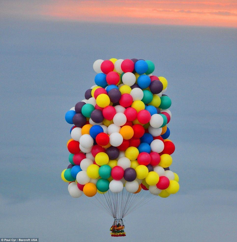 Trappe07 Американец пытался перелететь Атлантический океан на 375 воздушных шарах