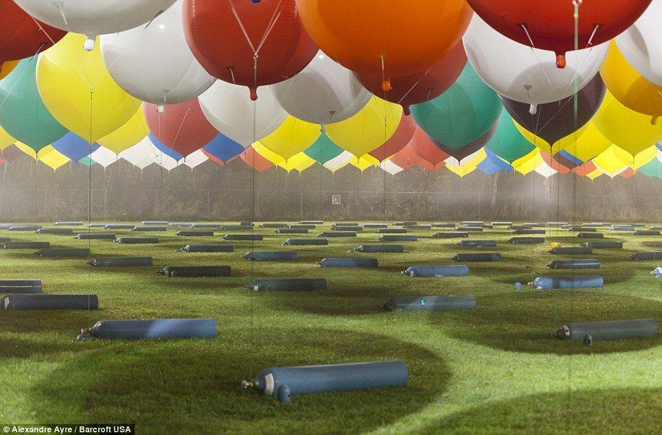 Trappe09 Американец пытался перелететь Атлантический океан на 375 воздушных шарах