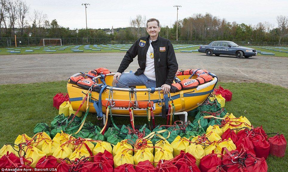 Trappe12 Американец пытался перелететь Атлантический океан на 375 воздушных шарах