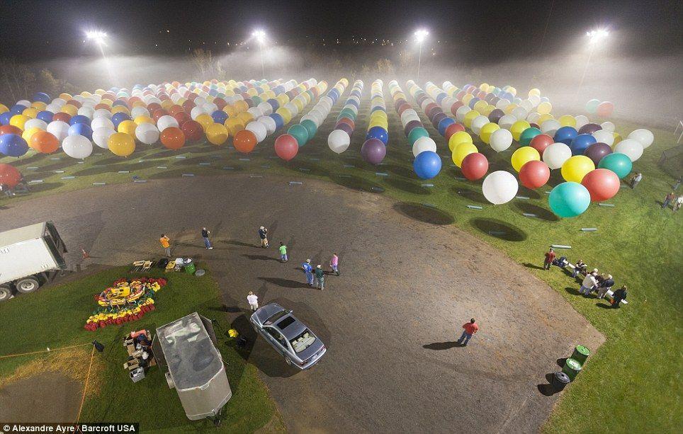 Trappe15 Американец пытался перелететь Атлантический океан на 375 воздушных шарах