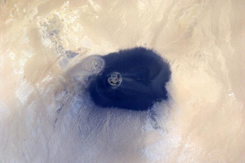 WawanNamus02 Вау ан Намус   оазис в вулканическом кратере