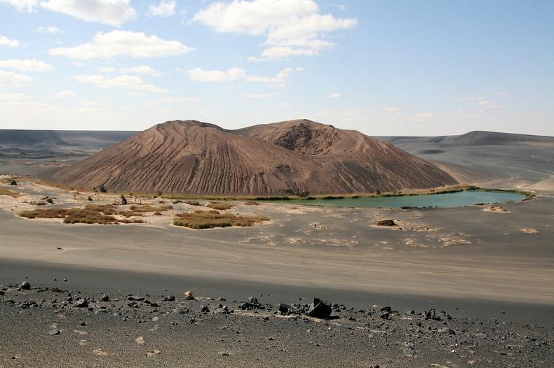 WawanNamus04 Вау ан Намус   оазис в вулканическом кратере