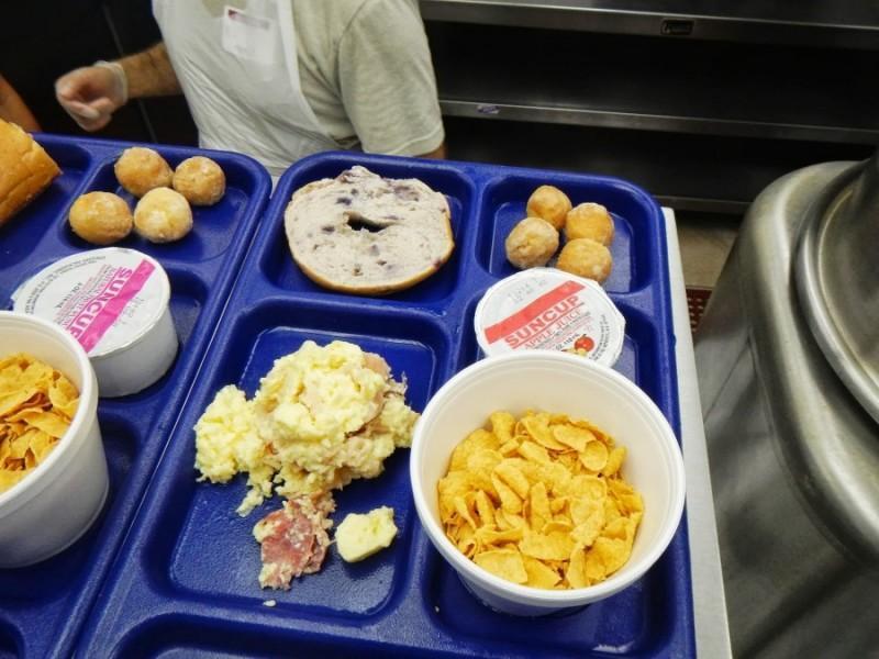 inshelter09 800x600 Завтрак в американском приюте для бездомных