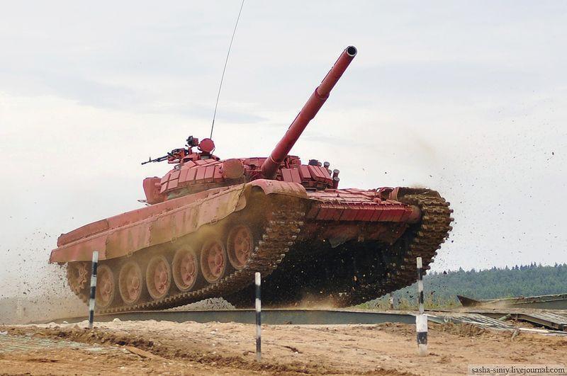 Танковый биатлон, или Бондарчуку и не снилось