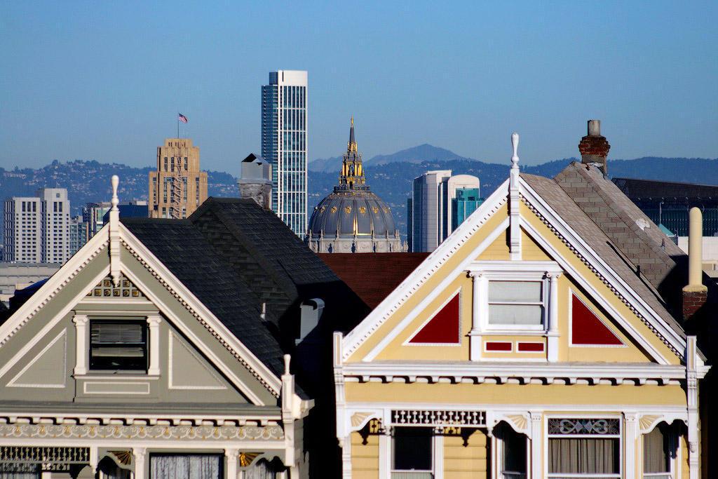 4205883758 41ca96f4a7 b1 Яркая достопримечательность Сан Франциско: викторианские дома Painted Ladies