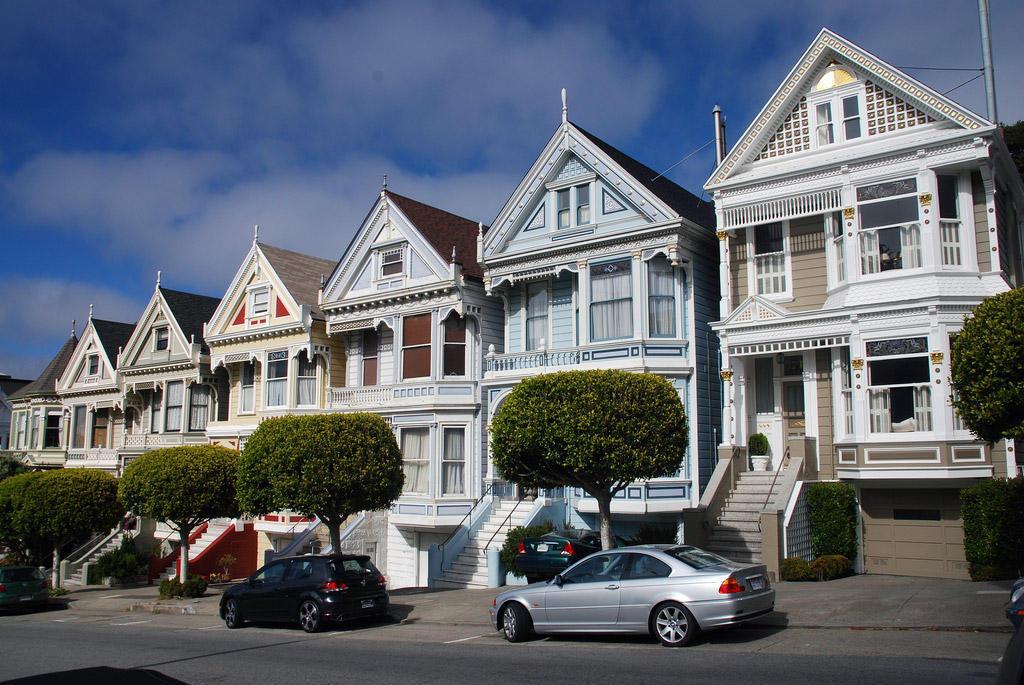 5008861260 6f5d3143bc b1 Яркая достопримечательность Сан Франциско: викторианские дома Painted Ladies
