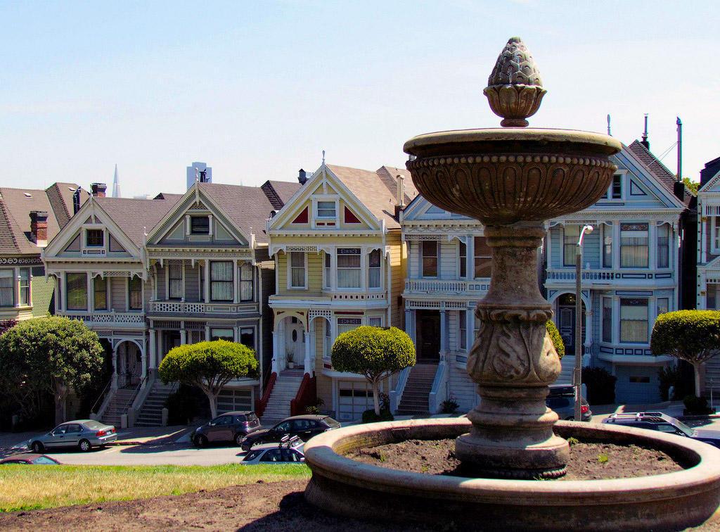 7768105860 570367e683 b1 Яркая достопримечательность Сан Франциско: викторианские дома Painted Ladies