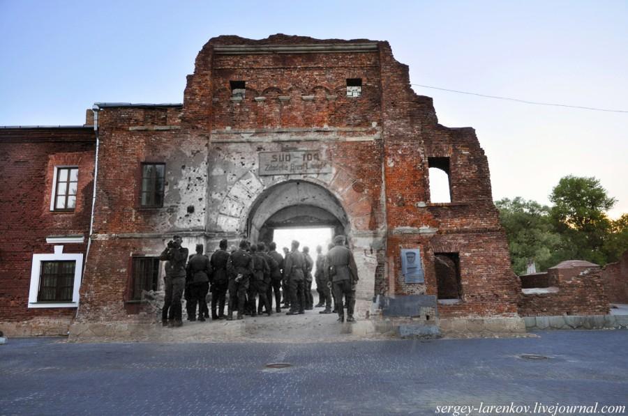 BrestFortress09 Связь времен: Брестская крепость 1941 2013