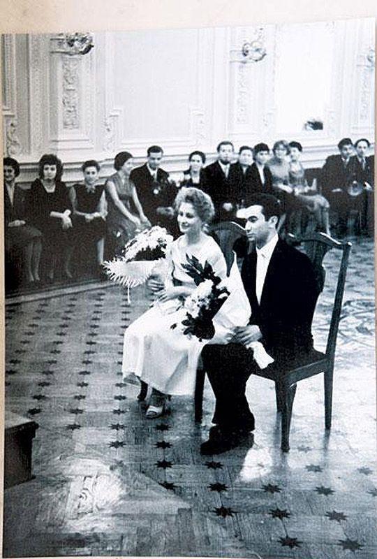 Интересные факты и фотографии, посвященные традиции бракосочетания в СССР.