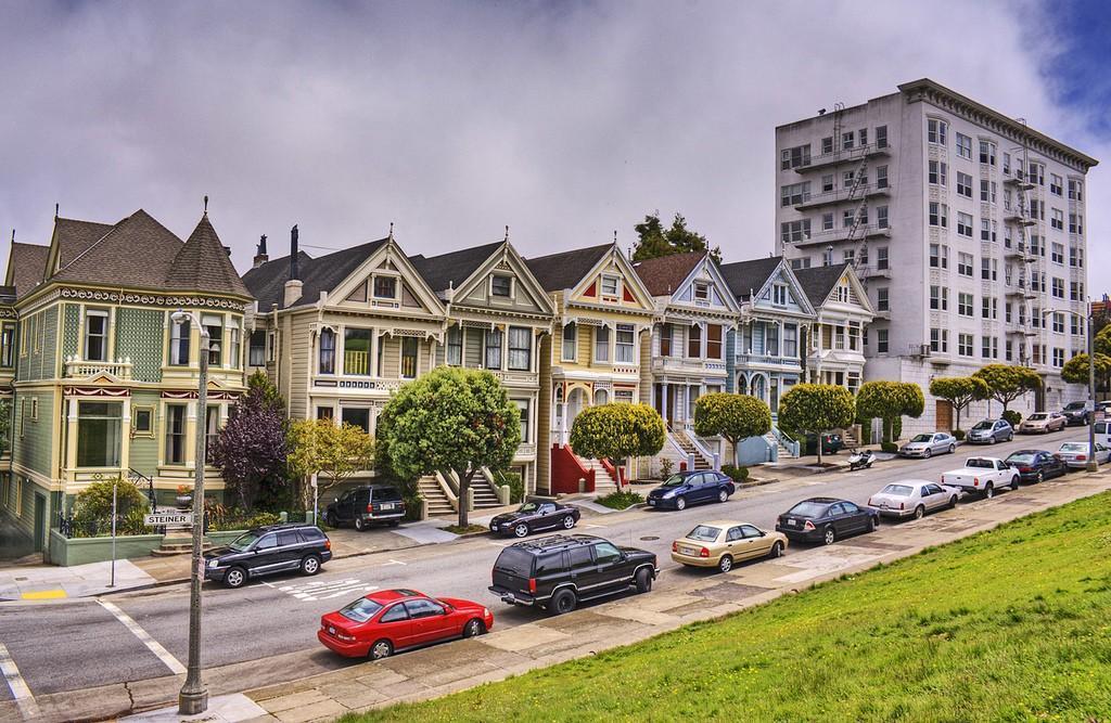 Steiner04 Яркая достопримечательность Сан Франциско: викторианские дома Painted Ladies