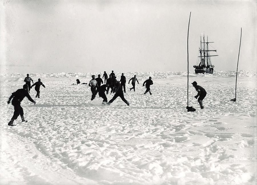 antarctica07 Самые впечатляющие фотографии Антарктиды начала 20 века