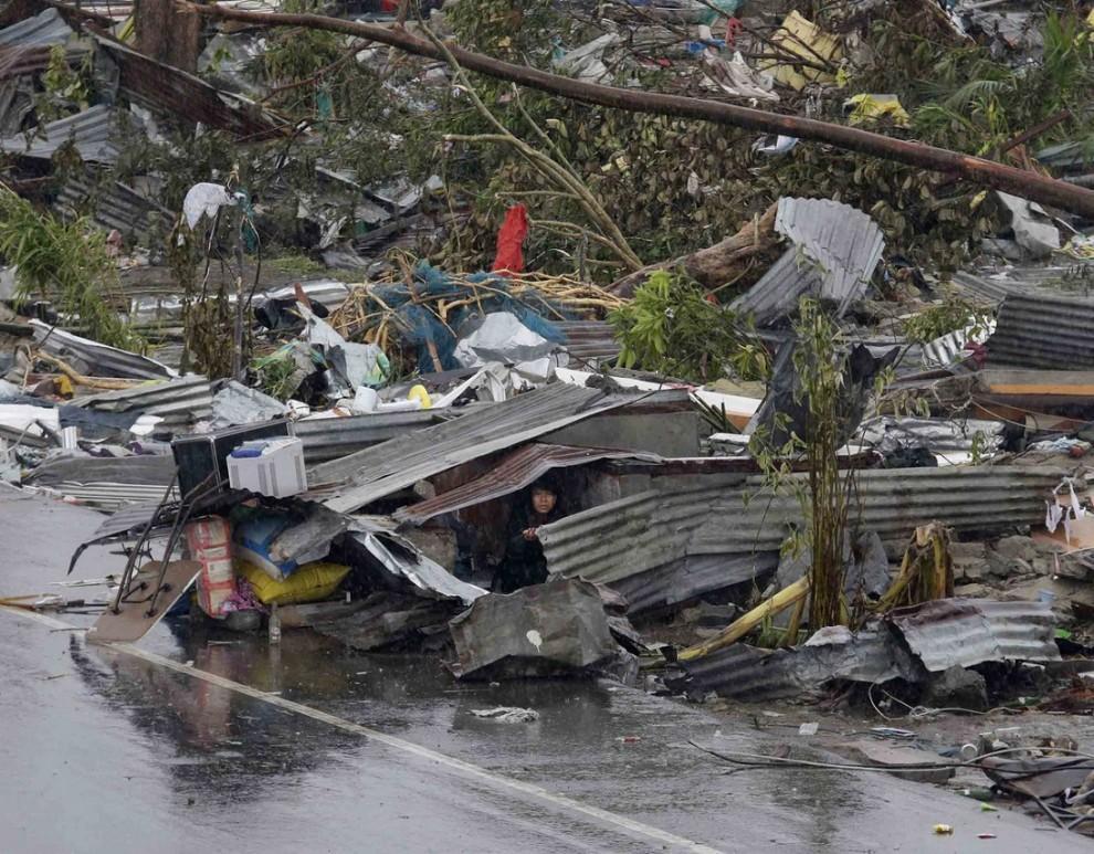 1581427 original 990x773 Тайфун Хаян унес жизни более 10 тысяч человек