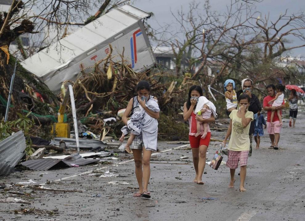 5. Пик разрушений зафиксирован в городе Таклобан, сюда уже прибыла команда ООН по оценке и координации работ по ликвидации последствий стихийного бедствия. Серьезные разрушения наблюдаются в городах Пало, Ормок, Бурауэн.