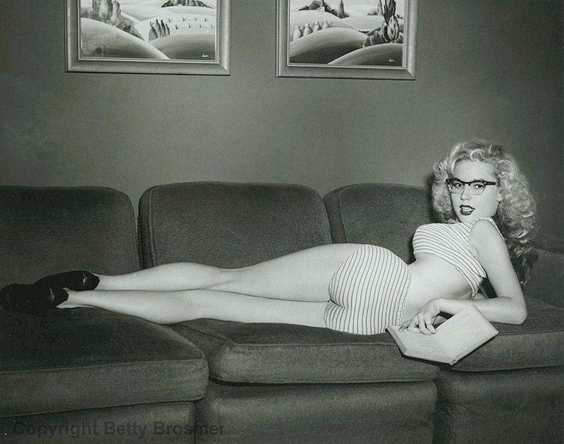 BettyBrosmer06 Бетти Бросмер — обладательница самой шикарной фигуры 50 х годов