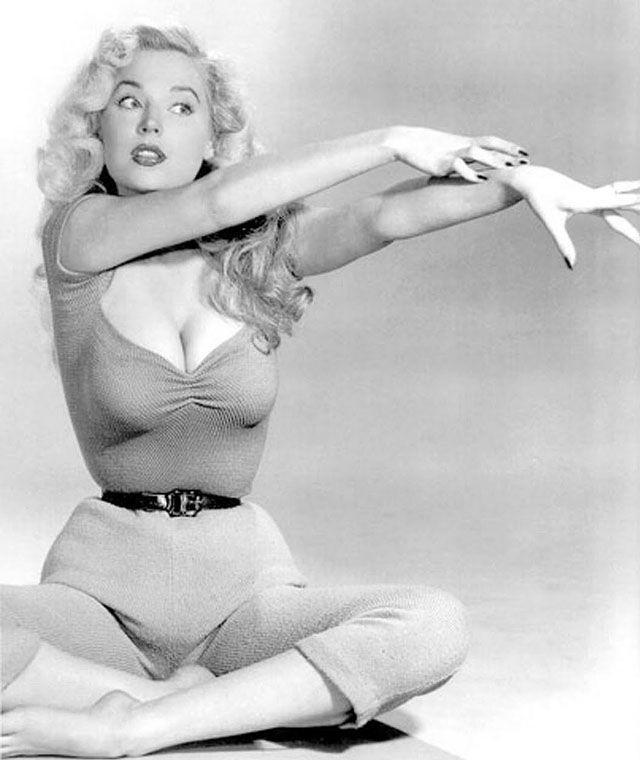 BettyBrosmer07 Бетти Бросмер — обладательница самой шикарной фигуры 50 х годов