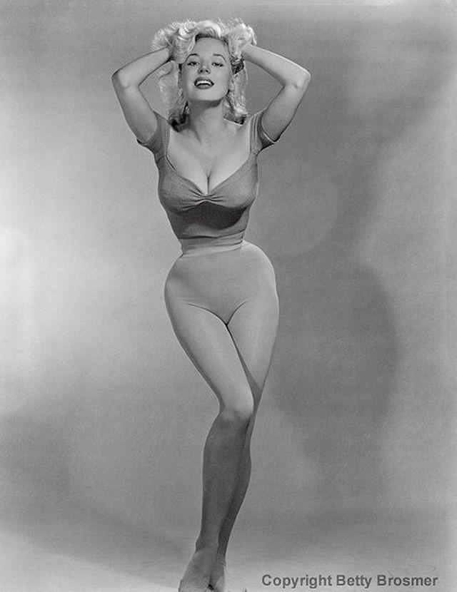 BettyBrosmer08 Бетти Бросмер — обладательница самой шикарной фигуры 50 х годов