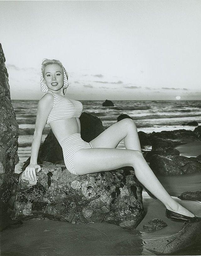 BettyBrosmer13 Бетти Бросмер — обладательница самой шикарной фигуры 50 х годов