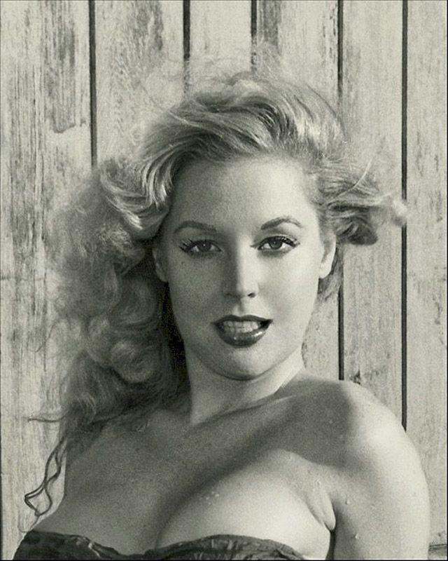 BettyBrosmer21 Бетти Бросмер — обладательница самой шикарной фигуры 50 х годов