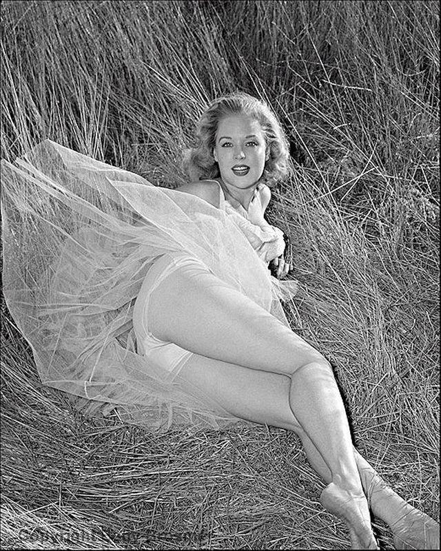 BettyBrosmer22 Бетти Бросмер — обладательница самой шикарной фигуры 50 х годов