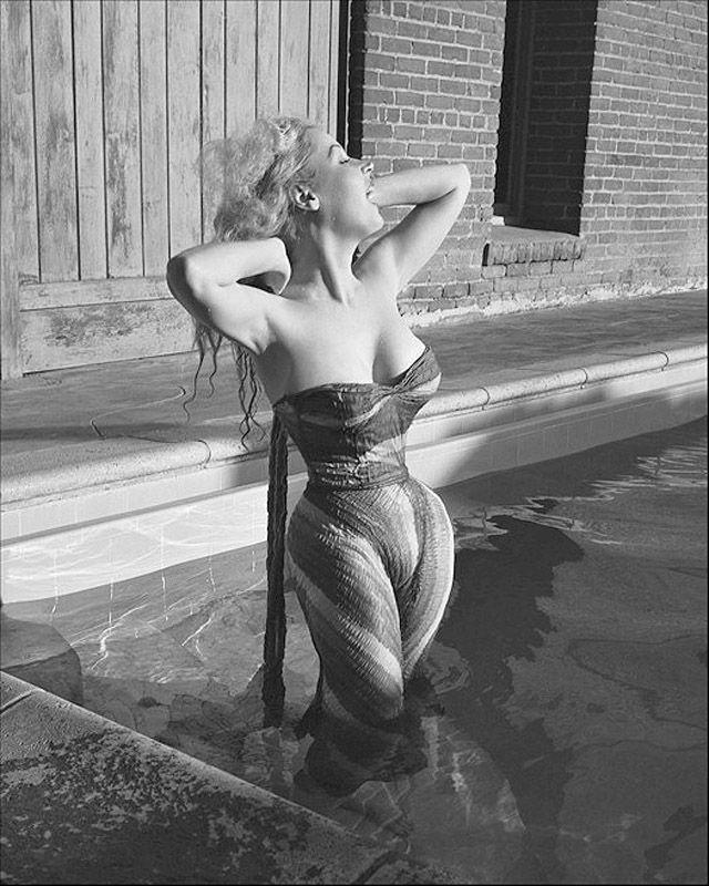 BettyBrosmer23 Бетти Бросмер — обладательница самой шикарной фигуры 50 х годов