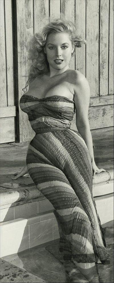BettyBrosmer24 Бетти Бросмер — обладательница самой шикарной фигуры 50 х годов