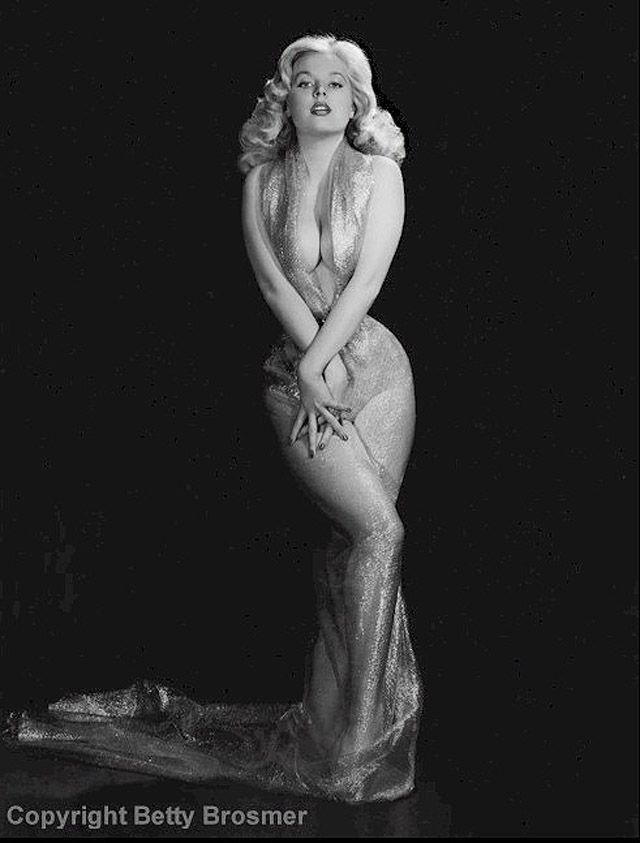 BettyBrosmer27 Бетти Бросмер — обладательница самой шикарной фигуры 50 х годов