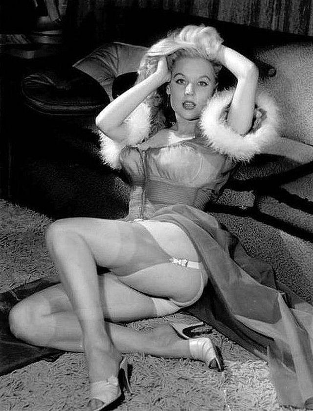 BettyBrosmer35 Бетти Бросмер — обладательница самой шикарной фигуры 50 х годов